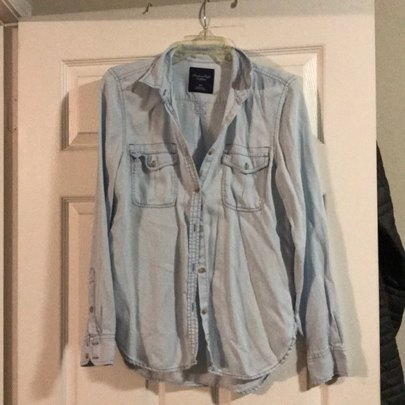 American Eagle Outfitters Tops - American eagle ombre shirt sz small